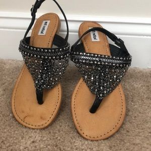 Not Rated   Chain beaded sandals